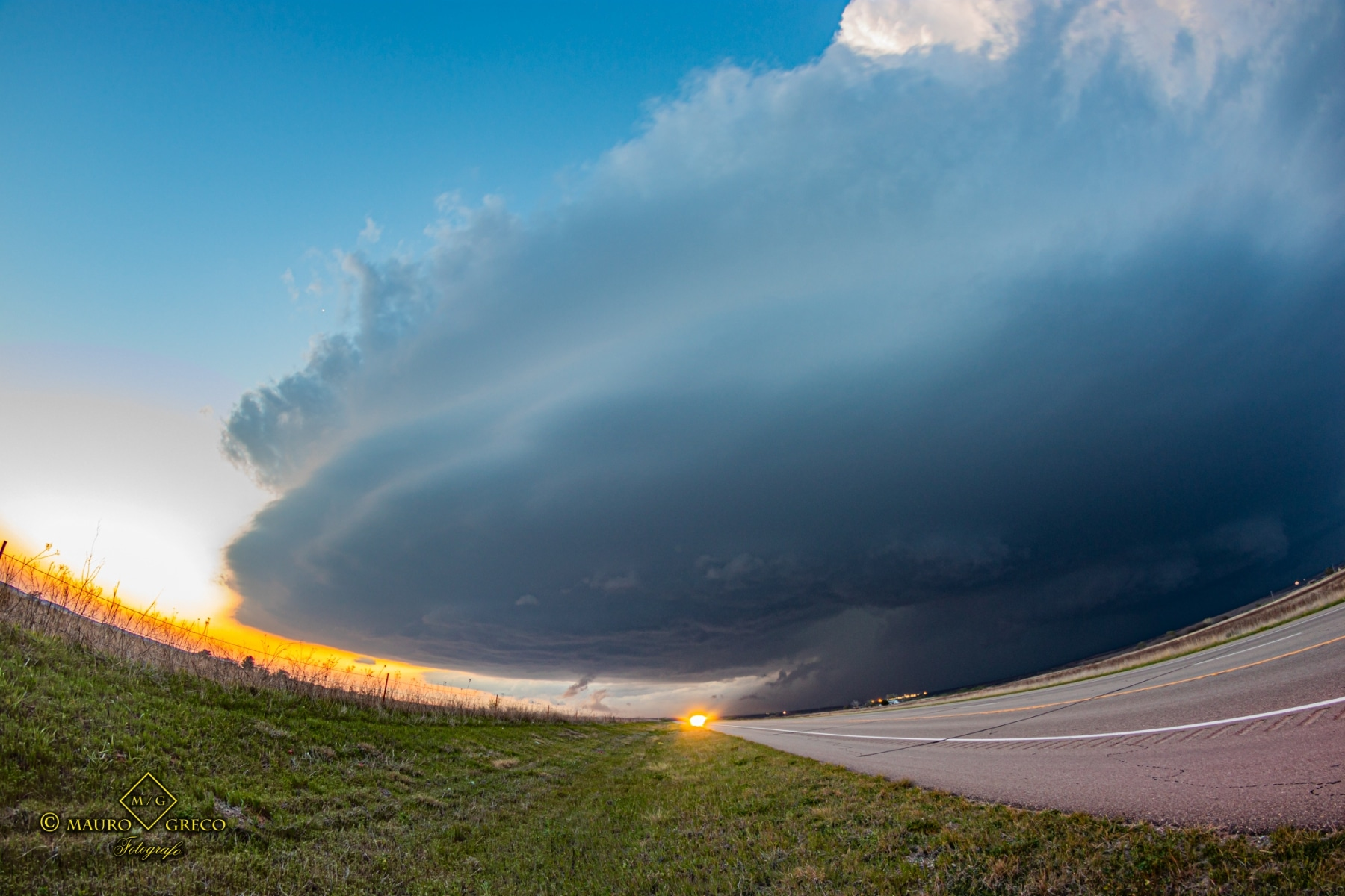 April 21 2020 Tornado warned severe thunderstorm supercell south of Canadian Texas - Tornado Tour StormWind