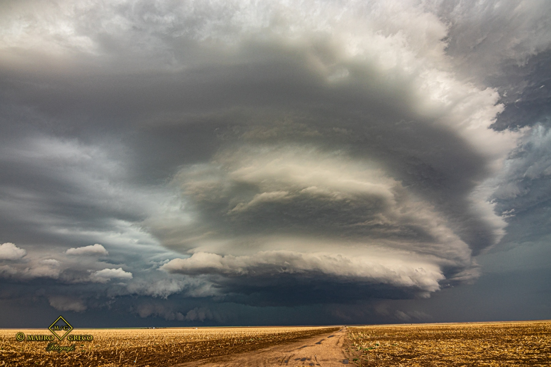 May 21 2020 Sublette Kansas mothership Supercell - Tornado Tour StormWind